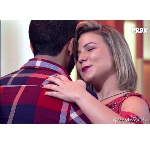 """Maria Claudia e Matheus, do """"BBB16"""", comemoram romance no """"Encontro com Fátima Bernardes""""!"""