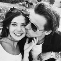 Louis Tomlinson, do One Direction, surge apaixonado por Danielle Campbell em foto no Instagram