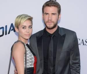 Liam Hemsworth é colocado contra a parede: e aí, vai casar com Miley Cyrus ou não?