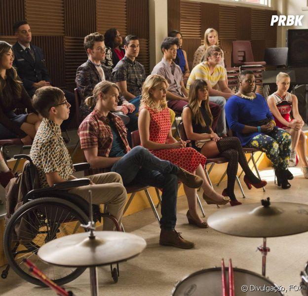 """Veteranos e calouros de """"Glee"""" ficam juntos no centésimo episódio da série!"""