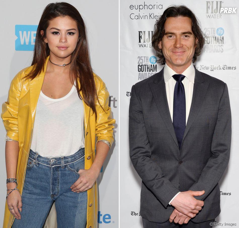 Quem também tem crush em um famoso mais velho é Selena Gomez! A cantora é apaixonada pelo ator Billy Crudup