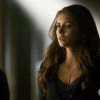 """Na 5ª temporada de """"The Vampire Diaries"""": promo mostra Elena infectada por vírus"""