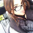 Já Kendall Jenner prefere algo mais confortável, como um casaquinho de crochê