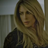 Cauã Reymond interpreta travesti em clipe da cantora Barbara Ohana. Veja!