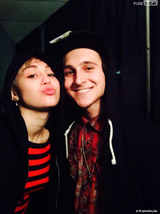 Who's dating mitchel musso