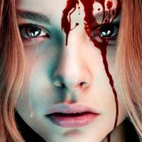 """Pegadinha bizarra promove filme """"Carrie: a estranha"""" e assusta a galera"""