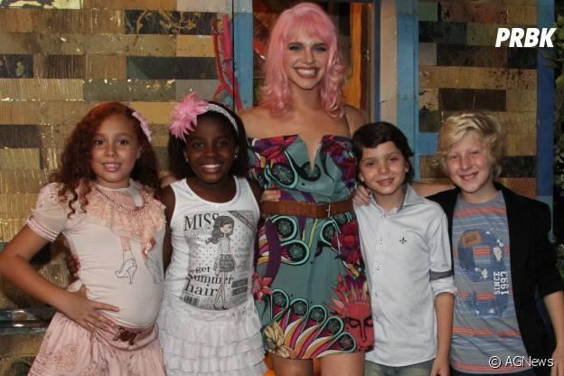 Bruna Linzmeyer comenta sobre o cabelo cor-de-rosa