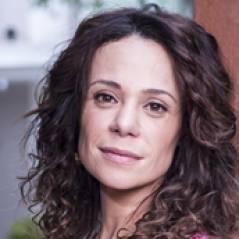 """Na novela """"Em Família"""", Juliana casa com Jairo e finalmente fica com Bia"""