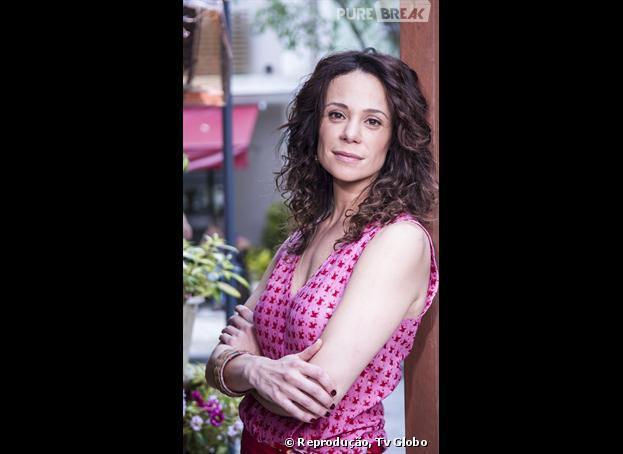 "Juliana (Vanessa Gerbelli) casa para recuperar a filha na novela ""Em Família"""