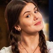 """Camila Queiroz, de """"Êta Mundo Bom!"""", fala sobre cenas com o """"cegonho"""": """"As minhas preferidas"""""""