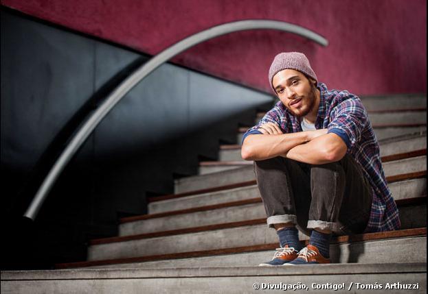 """Bruno Fagundes, estreante em """"Meu Pedacinho de Chão"""" comenta sobre namoro: """"Tem de ser 'peguete'"""""""
