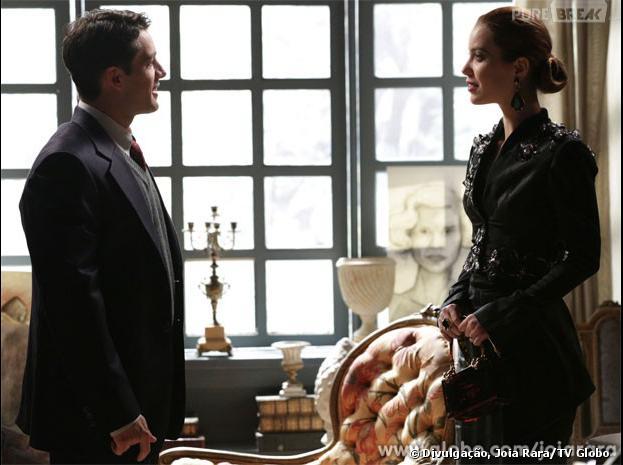 """Viktor (Rafael Cardoso) levará Silvia (Nathalia Dill) para seu quarto de hotel em """"Joia Rara""""!"""