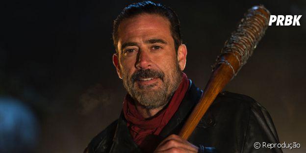 """Em """"The Walking Dead"""", Negan (Jeffrey Dean Morgan) e seu grupo de Salvadores tocam o terror na série!"""