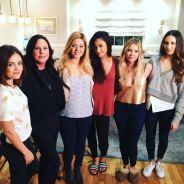 """Série """"Pretty Little Liars"""": Lucy Hale e elenco se despedem na 7ª e última temporada!"""