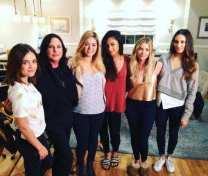 """De """"Pretty Little Liars"""": elenco se despede da série após anúncio de última temporada"""