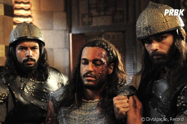 """Novela """"A Terra Prometida"""":Tobias (Raphael Vianna) aparece com rosto desfigurado após ataque dos cananeus"""