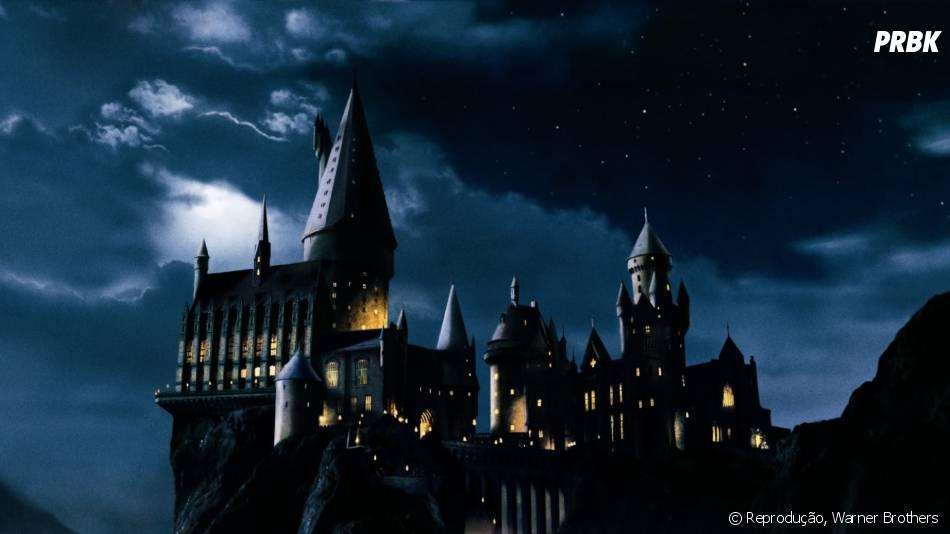 O castelo de Hogwarts, escola que inspirou o site