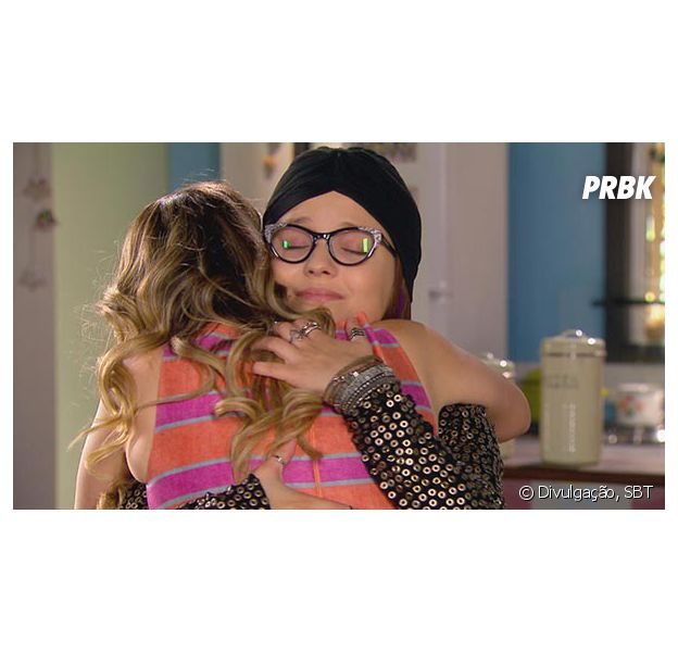 """Em """"Cúmplices de um Resgate"""", Isabela (Larissa Manoela) decide morar com Rebeca (Juliana Baroni)!"""