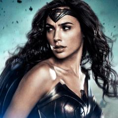 """De """"Batman Vs Superman"""": Gal Gadot, a Mulher-Maravilha, publica foto de cena sem efeitos especiais!"""