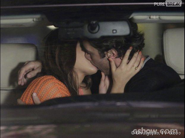 """Na novela """"Em Família"""", Laerte (Gabriel Braga Nunes) e Luiza (Bruna Marquezine) vão começar a namorar!"""