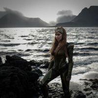 """De """"Liga da Justiça"""": veja a 1ª foto oficial de Amber Heard como Mera no filme!"""