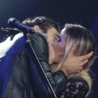 Tiago Iorc e Tatá Werneck se beijam e levam fãs à loucura no Prêmio Multishow 2016!