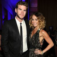 "Miley Cyrus confirma noivado com Liam Hemsworth no programa ""The Ellen Degeneres Show"""