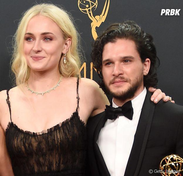 "De ""Game of Thrones"": Sophie Turner posta foto com Kit Harington no Instagram"