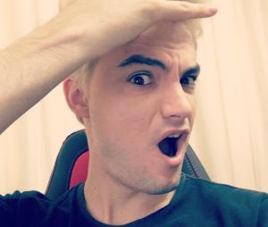 Felipe Neto platina o cabelo e mostra resultado em vídeo inédito no Youtube