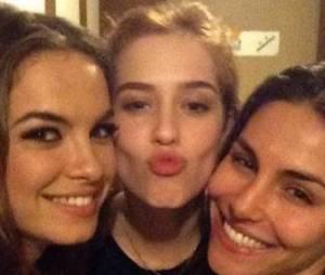 Lua Blanco, Sophia Abrahão e Mel Fronckowiak fazem selfie juntas!