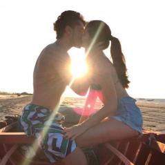 """Camila Queiroz elogia Klebber Toledo e fala sobre namoro: """"A gente está feliz"""""""