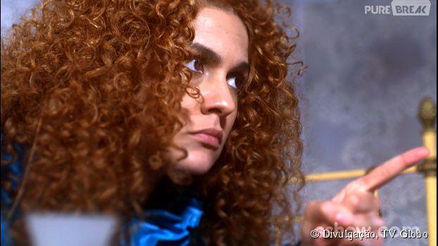 """Em """"Meu Pedacinho de Chão"""", Gina (Paula Barbosa) conta sobre o beijo para Juliana (Bruna Linzmeyer)"""