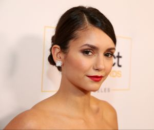 """Nina Dobrev não tem permissão para falar sobre sua participação em """"The Vampire Diaries"""""""