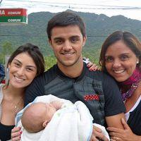 """Felipe Simas ganha visita do filho em """"Malhação"""" e se emociona: """"Fiquei nervoso"""""""