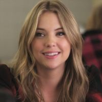 "De ""Pretty Little Liars"": 6 looks de Hanna Marin para se inspirar e arrasar!"