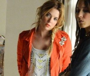 "Em ""Pretty Little Liars"", Hanna Marin (Ashley Benson) arrasa com qualquer look!"