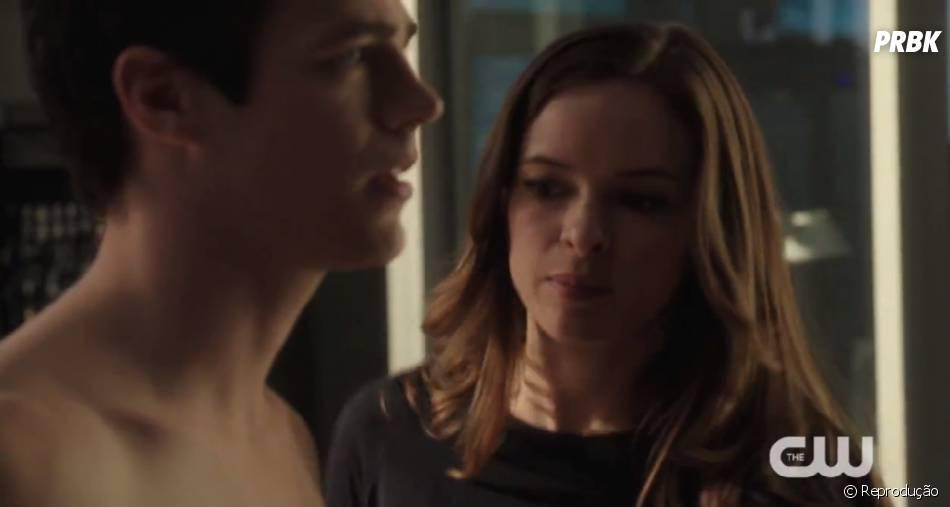 """Em """"The Flash"""", a Dra. Caitlin Snow (Danielle Panabaker) é super séria e profissional"""