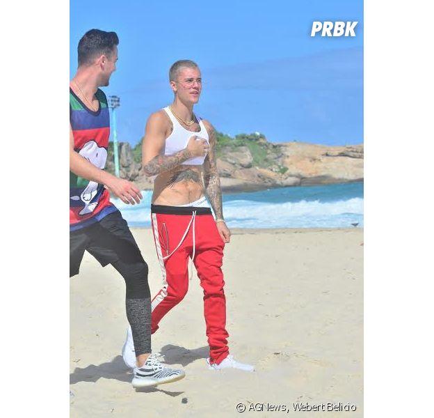 """Justin Bieber vai à praia no Rio de Janeiro antes dos shows da """"Purpose World Tour"""""""