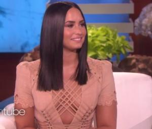 Demi Lovato arrasa no look durante o programa de Ellen DeGeneres