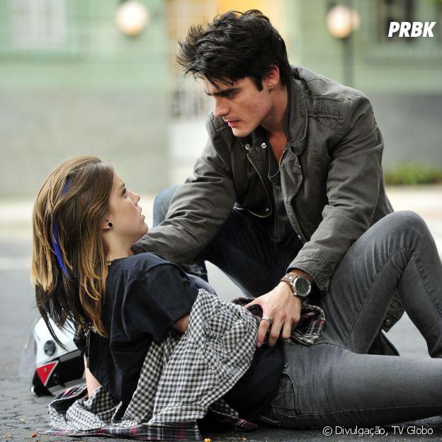 """Na temporada 2012 de """"Malhação"""", Lia (Alice Wegmann) e Vitor (Guilherme Leicam) faziam o público torcer bastante pelo casal"""