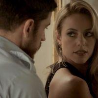 """Novela """"A Força do Querer"""": Jeiza (Paolla Oliveira) abandona festa de noivado com Zeca!"""