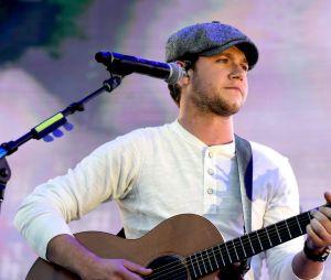 """Niall Horan trabalhou duro no seu álbum solo e contou um pouco sobre isso no """"Elvis Duran and the Morning Show"""""""