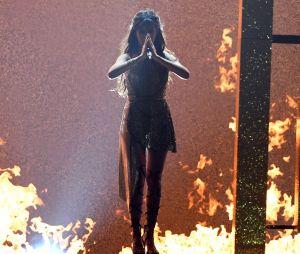 Camila Cabello faz performance explosiva no MMVA 2017!