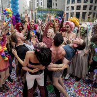 """De """"Sense8"""": Alfonso Herrera e restante do elenco comemoram o retorno da série!"""