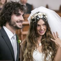 """Novela """"A Força do Querer"""": Ritinha (Isis Valverde) e Ruy (Fiuk) reatam casamento!"""