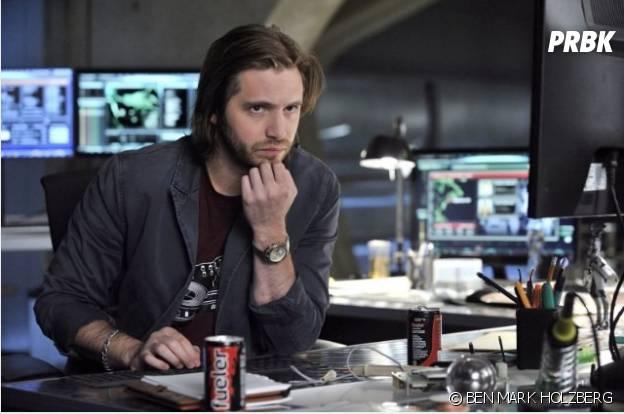 """O hacker do seriado """"Nikita"""" é Seymour"""
