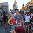 Larissa Manoela e Thomaz Costa estão curtindo muito a viagem!