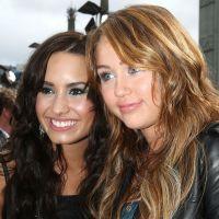 """Demi Lovato fala sobre Miley Cyrus: """"Ninguém a conhece de verdade"""""""