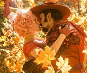 """Zelão (Irandhir Santos) vai provar seus sentimentos para Juliana (Bruna Linzmeyer) com beijo apaixonado em """"Meu Pedacinho de Chão"""""""