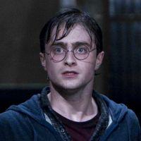 """Mais """"Harry Potter""""! J.K. Rowling divulga nova história do bruxinho já adulto"""